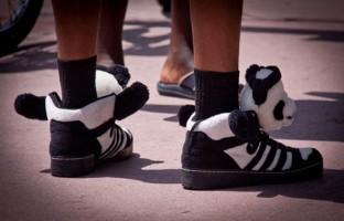 scarpe da ginnastica a forma di panda