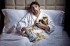 Dormire poco fa ingrassare. Insonnia aumenta rischio di obesità